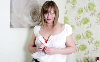 Horny English housewife playing with herself