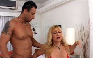 Busty mature gets a lot of dick in her chubby pussy