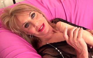 Perfect mature amazes with how slutty she can be