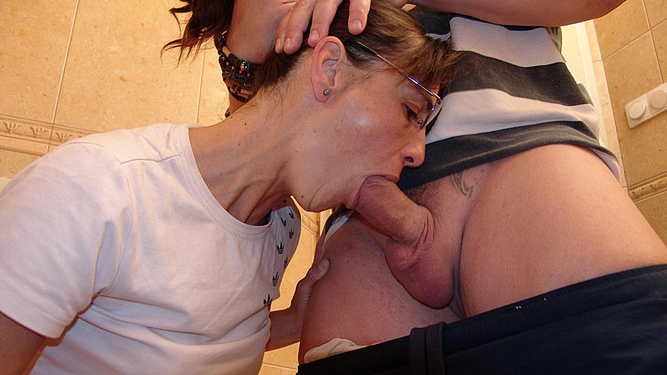 Tranny Blowjob Cum Mouth